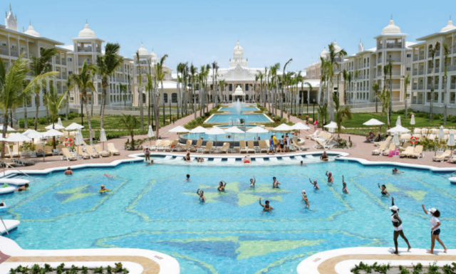 Resort 6 Hotel Riu Palace
